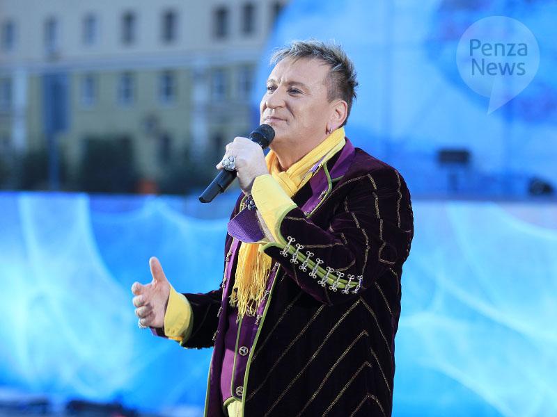 2004. Sergei Penkin